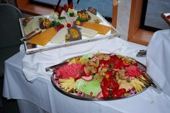 Fruit-&-Cheese-platter
